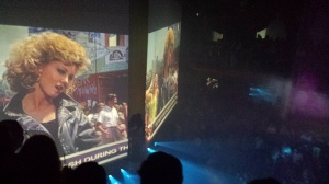 Grease dök upp en snabbis, med låtar ock klipp från filmen.