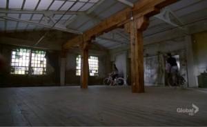 Kurt och Rachels lägenhet i New York, precis när de hittat den, innan de har flyttat in.