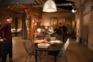Kurt och Rachels lägenhet efter att de har flyttat in och gjort den hemtrevlig.